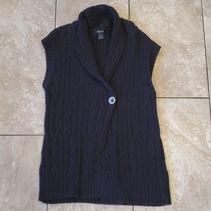 3/$12 Sleeveless chunky cardigan